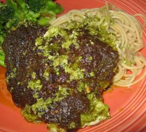 pesto chicken with spaghetti and broccoli